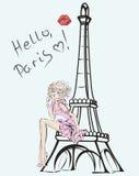 Γειά σου, Παρίσι Κορίτσι μόδας κοντά στον πύργο του Άιφελ Στοκ φωτογραφία με δικαίωμα ελεύθερης χρήσης