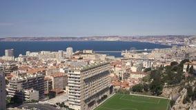 Γειτονιά και ακτή πόλεων της Μασσαλίας με την πανοραμική άποψη θάλασσας φιλμ μικρού μήκους
