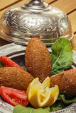 Γεμισμένα κεφτή, παραδοσιακά τουρκικά τρόφιμα Στοκ εικόνα με δικαίωμα ελεύθερης χρήσης