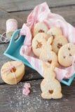 Γεμισμένα μαρμελάδα μπισκότα Πάσχας Στοκ φωτογραφίες με δικαίωμα ελεύθερης χρήσης
