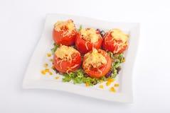 Γεμισμένες ντομάτες με το τυρί Στοκ φωτογραφία με δικαίωμα ελεύθερης χρήσης