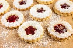 γεμισμένη μπισκότα μαρμελά&d Στοκ εικόνες με δικαίωμα ελεύθερης χρήσης