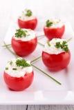 Γεμισμένη ντομάτα με το τυρί Στοκ εικόνες με δικαίωμα ελεύθερης χρήσης