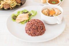 Γεμισμένη σούπα λάχανων με το ρύζι και tofu μούρων Στοκ φωτογραφίες με δικαίωμα ελεύθερης χρήσης