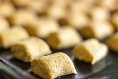 Γεμισμένος με τα μικρά μπισκότα αμυγδάλων στοκ εικόνες με δικαίωμα ελεύθερης χρήσης