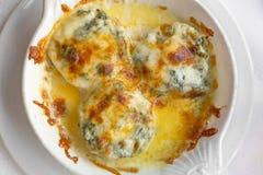 Γεμισμένος artichockes με το τυρί Στοκ εικόνα με δικαίωμα ελεύθερης χρήσης