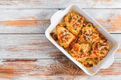 Γεμισμένο στήθος κοτόπουλου με το ζαμπόν, τυρί, ντομάτες, άποψη από το abo Στοκ φωτογραφίες με δικαίωμα ελεύθερης χρήσης