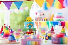 Γενέθλια αγοριών Κέικ για λίγο παιδί Κόμμα παιδιών Στοκ εικόνες με δικαίωμα ελεύθερης χρήσης