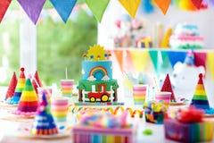 Γενέθλια αγοριών Κέικ για λίγο παιδί Κόμμα παιδιών Στοκ Φωτογραφία