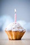 γενέθλια cupcake Στοκ φωτογραφία με δικαίωμα ελεύθερης χρήσης