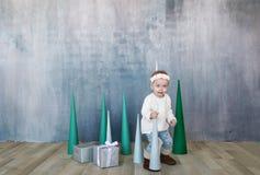 Γενέθλια λίγου λατρευτού κοριτσιού Οργάνωση κομμάτων παιδιών Στοκ εικόνα με δικαίωμα ελεύθερης χρήσης