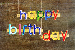 γενέθλια ευτυχή Φωτεινές πολυ χρωματισμένες χρωματισμένες επιστολές Στοκ φωτογραφία με δικαίωμα ελεύθερης χρήσης