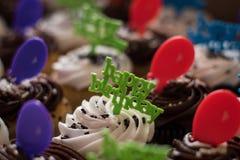 γενέθλια cupcake ευτυχή Στοκ Εικόνες
