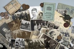 Γενεαλογία - οικογενειακός ιστορικό - παλαιές οικογενειακές φωτογραφίες στοκ εικόνα