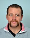 Γενειάδα και mustache άτομο Στοκ φωτογραφία με δικαίωμα ελεύθερης χρήσης