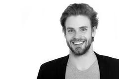 Γενειοφόρο ευτυχές άτομο με τη μοντέρνη γενειάδα, moustache απομονωμένος στο μόριο Στοκ εικόνες με δικαίωμα ελεύθερης χρήσης