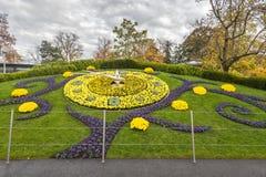 ΓΕΝΕΥΗ ΕΛΒΕΤΙΑ: νέο σχέδιο λουλουδιών ρολογιών Στοκ Φωτογραφία