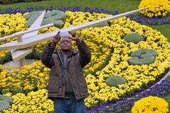 ΓΕΝΕΥΗ ΕΛΒΕΤΙΑ: νέο σχέδιο λουλουδιών ρολογιών Στοκ φωτογραφία με δικαίωμα ελεύθερης χρήσης