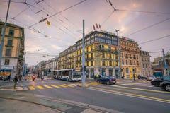 ΓΕΝΕΥΗ, ΕΛΒΕΤΙΑ - 6 Φεβρουαρίου 2018: Παλαιά πόλη της Γενεύης κωμοπόλεων τη νύχτα στην Ελβετία Είναι η second-most πυκνοκατοικημέ στοκ φωτογραφία