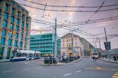 ΓΕΝΕΥΗ, ΕΛΒΕΤΙΑ - 6 Φεβρουαρίου 2018: Παλαιά πόλη της Γενεύης κωμοπόλεων τη νύχτα στην Ελβετία Είναι η second-most πυκνοκατοικημέ στοκ φωτογραφία με δικαίωμα ελεύθερης χρήσης