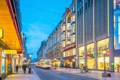 ΓΕΝΕΥΗ, ΕΛΒΕΤΙΑ - 6 Φεβρουαρίου 2018: Παλαιά πόλη της Γενεύης κωμοπόλεων τη νύχτα στην Ελβετία Είναι η second-most πυκνοκατοικημέ στοκ φωτογραφίες