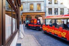 Γενεύη, Ελβετία - 18 Οκτωβρίου 2017: Πορτοκαλί λεωφορείο για το sightseei Στοκ Εικόνες
