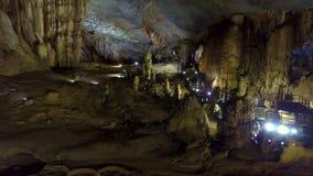 Γενική άποψη του σπηλαίου σταλακτιτών και σταλαγμιτών φιλμ μικρού μήκους