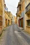 Γενική αρχιτεκτονική της Μάλτας, στενή οδός Στοκ Φωτογραφία