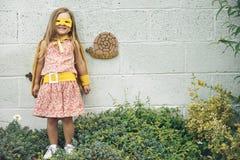 Γενναία λατρευτή έννοια κοριτσάκι Superhero Στοκ Εικόνες