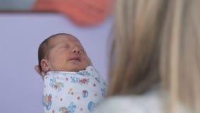 γεννημένο κορίτσι μωρών νέο απόθεμα βίντεο