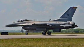 Γεράκι/οχιά πάλης F-16 Στοκ Φωτογραφίες