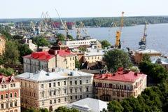 Γερανοί κατασκευής και φόρτωσης Στοκ εικόνες με δικαίωμα ελεύθερης χρήσης