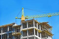 Γερανός και εργοτάξιο οικοδομής Στοκ Εικόνα
