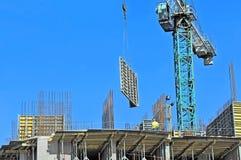 Γερανός και εργοτάξιο οικοδομής Στοκ Φωτογραφία