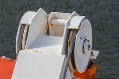 Γερανός ναυαγοσωστικών λέμβων Στοκ φωτογραφία με δικαίωμα ελεύθερης χρήσης