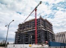 Γερανός πύργων στο εργοτάξιο οικοδομής στοκ εικόνες με δικαίωμα ελεύθερης χρήσης