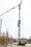 Γερανός σε ένα εργοτάξιο οικοδομής Στοκ Φωτογραφία