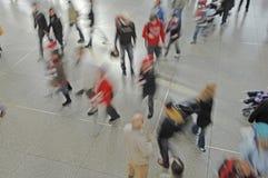 Γερμανία, Μόναχο, επιβάτες στο σιδηροδρομικό σταθμό Στοκ εικόνες με δικαίωμα ελεύθερης χρήσης