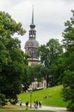 ΓΕΡΜΑΝΙΑ, ΔΡΕΣΔΗ - 13 ΙΟΥΛΊΟΥ 2015: η άποψη σε ένα πάρκο πλησίον του τετραγώνου θεάτρων, που βρίσκεται στο ιστορικό κέντρο την πό Στοκ Φωτογραφία