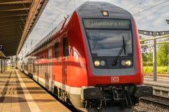 ΓΕΡΜΑΝΙΑ, $ΡΟΣΤΟΚ - 29 ΜΑΐΟΥ 2016: Περιφερειακό τραίνο στη Γερμανία Στοκ Εικόνες