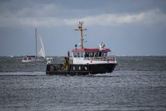 Γερμανική βάρκα αστυνομίας ποταμών στη θάλασσα της Βαλτικής στοκ φωτογραφία με δικαίωμα ελεύθερης χρήσης