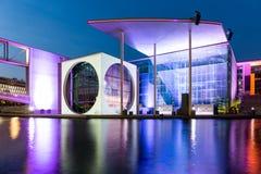 Γερμανική καγκελερία τη νύχτα, Βερολίνο στοκ εικόνες με δικαίωμα ελεύθερης χρήσης