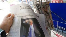 Γερμανική Frankfurter Allgemeine Boris Johnson Οκτώβριος Brexit εφημερίδων απόθεμα βίντεο