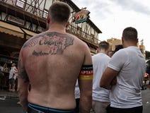 Γερμανικοί υποστηρικτές που ενθαρρύνουν την επιλογή τους κατά τη διάρκεια του Παγκόσμιου Κυπέλλου του 2016 Στοκ εικόνες με δικαίωμα ελεύθερης χρήσης