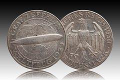 Γερμανικό ασημένιο νόμισμα 5 της Γερμανίας Δημοκρατία Weimar zeppelin πέντε σημαδιών στοκ εικόνες με δικαίωμα ελεύθερης χρήσης