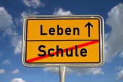 γερμανικό σημάδι οδικών σχ& στοκ φωτογραφίες με δικαίωμα ελεύθερης χρήσης