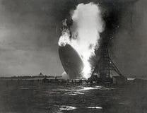 Γερμανικό Hindenburg Zeppelin εκρήγνυται στοκ εικόνα με δικαίωμα ελεύθερης χρήσης