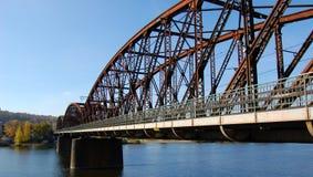 γεφυρώστε το σιδηρόδρομ& Στοκ Φωτογραφία