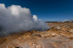 Γεωθερμικά ενεργός κοιλάδα Στοκ Φωτογραφίες