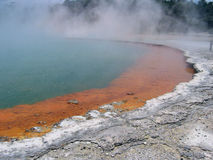 γεωθερμική φυσική λίμνη σ& Στοκ φωτογραφία με δικαίωμα ελεύθερης χρήσης